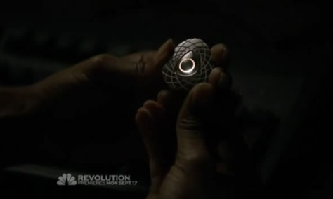 Revolution-1x01-Pen-Drive-Final
