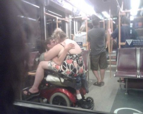 stuff-you-see-on-public-transport-10