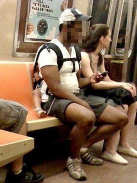 stuff-you-see-on-public-transport-14