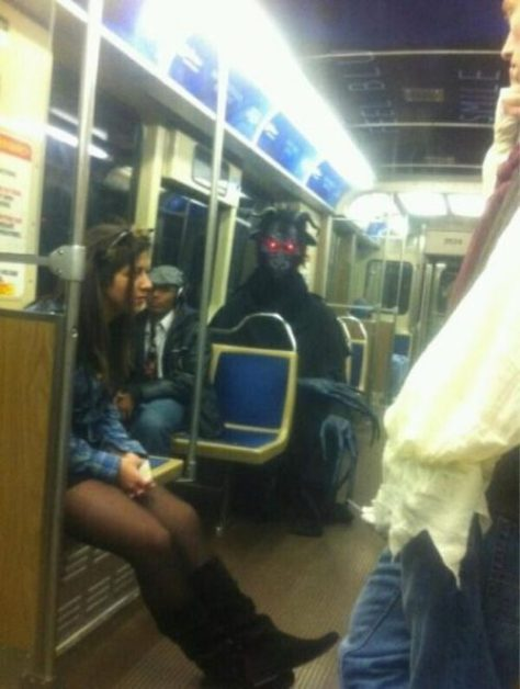 stuff-you-see-on-public-transport-18