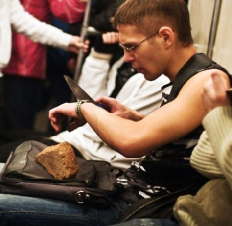 stuff-you-see-on-public-transport-26