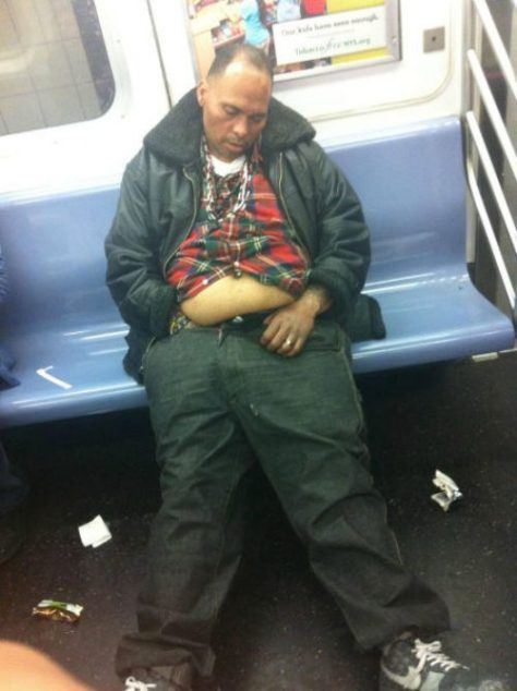 stuff-you-see-on-public-transport-271