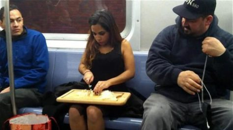 stuff-you-see-on-public-transport-8