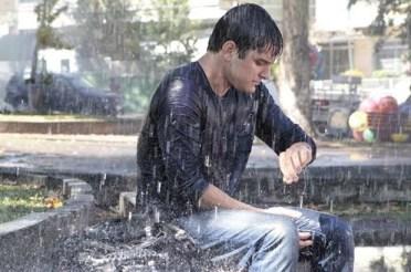 esperando na chuva